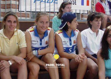 Tribuna femenina Francia 2000